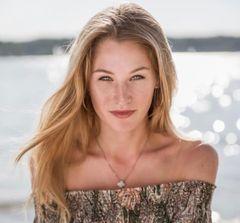 Lara H.