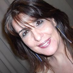 Simone J.