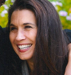 Cynthia Ferrara G.