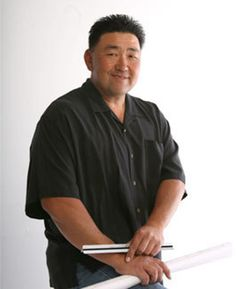 Robert Y.
