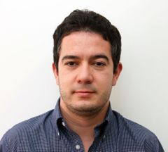 Nicolás L.