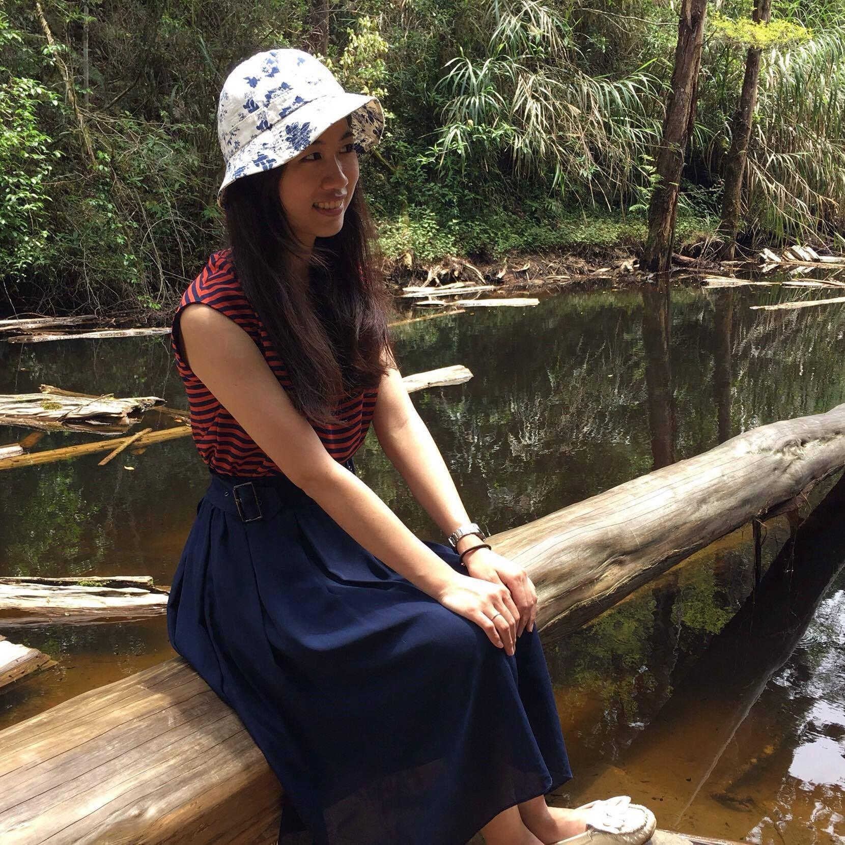 Amelia l free outdoor trips from london london for Garden pool meetup