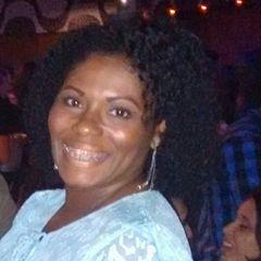 Ana Claudia Santiago B.