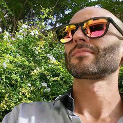 Riccardo De M.