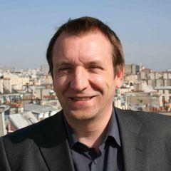 François V.