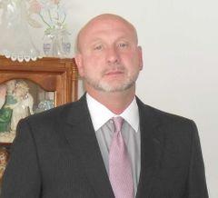 Stephen La P.