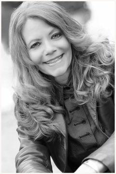 Kim Louise E.