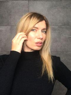 Viktoria T.