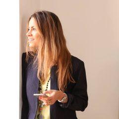 Luciana Carvalho S.