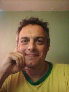 Alberto R.