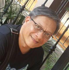 Simon R Castro W.