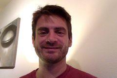 Derek R