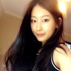 Hyo-jin K.
