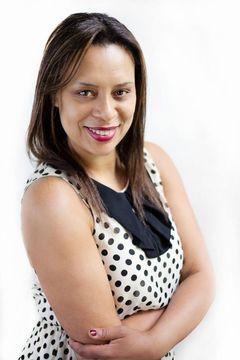 Dr Vania M.