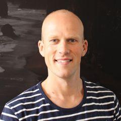 Niels L.