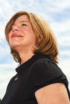 Robin Gayle E.