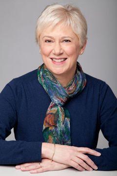 Claire Smith Y.