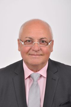 Dieter L.