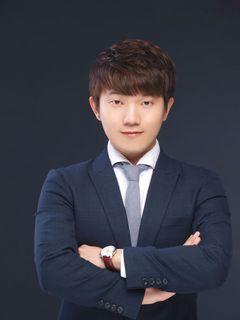 David Hwang (.
