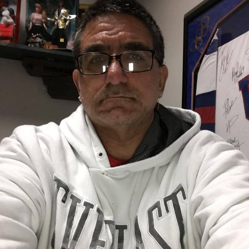 meet dennis singles Kik messenger: want to meet new kik  25 m usa new here looking for new people to meet and chat with  blonde brown eyes slim curvey 5'4 im 17 and im single.