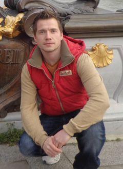 Lukas F.