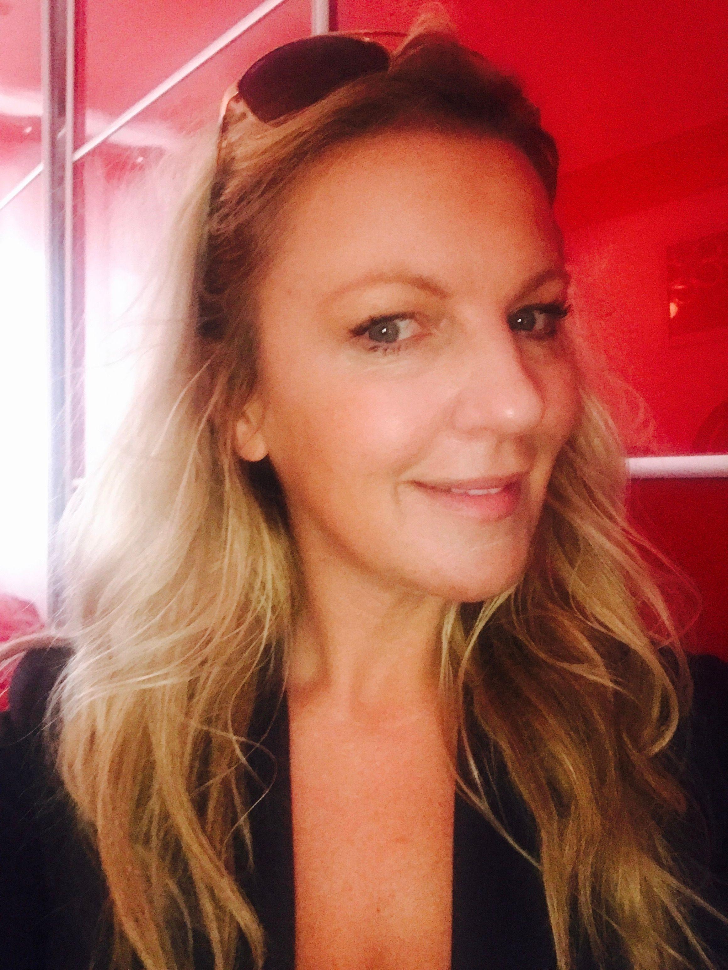 Karen M. - Dynamic Meladies, singing for women aged 35