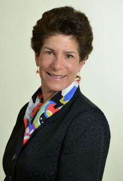 Lisa M B.