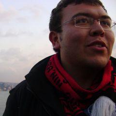 Erhan Ş.