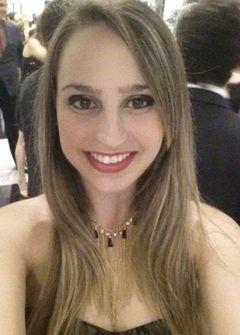 Ana Paula L.