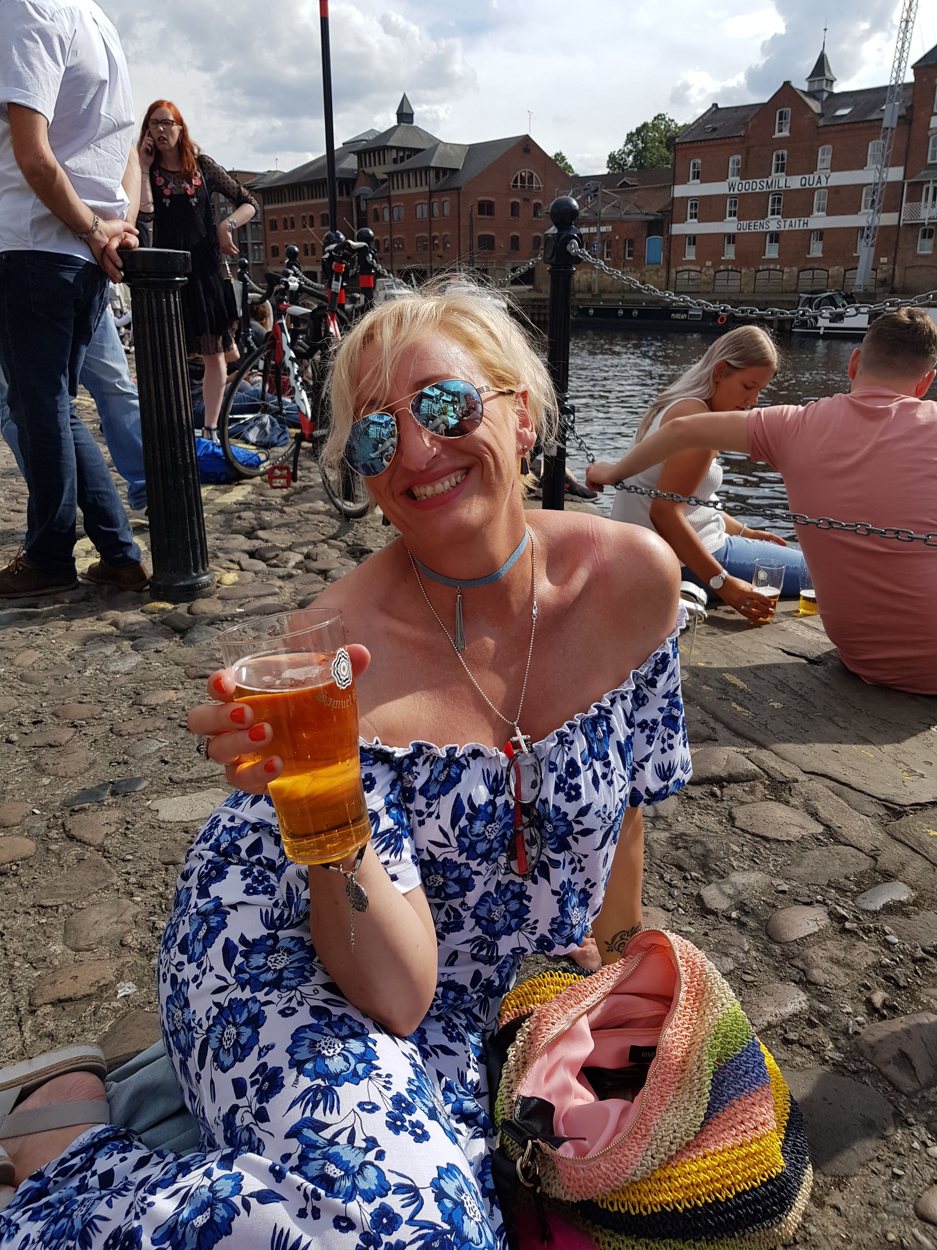 newcastle upon tyne single hispanic girls Get to know our community of spaniards in newcastle✓ attend events for  spaniards✓  situated on the north bank of the river tyne in the northeast of  england,.