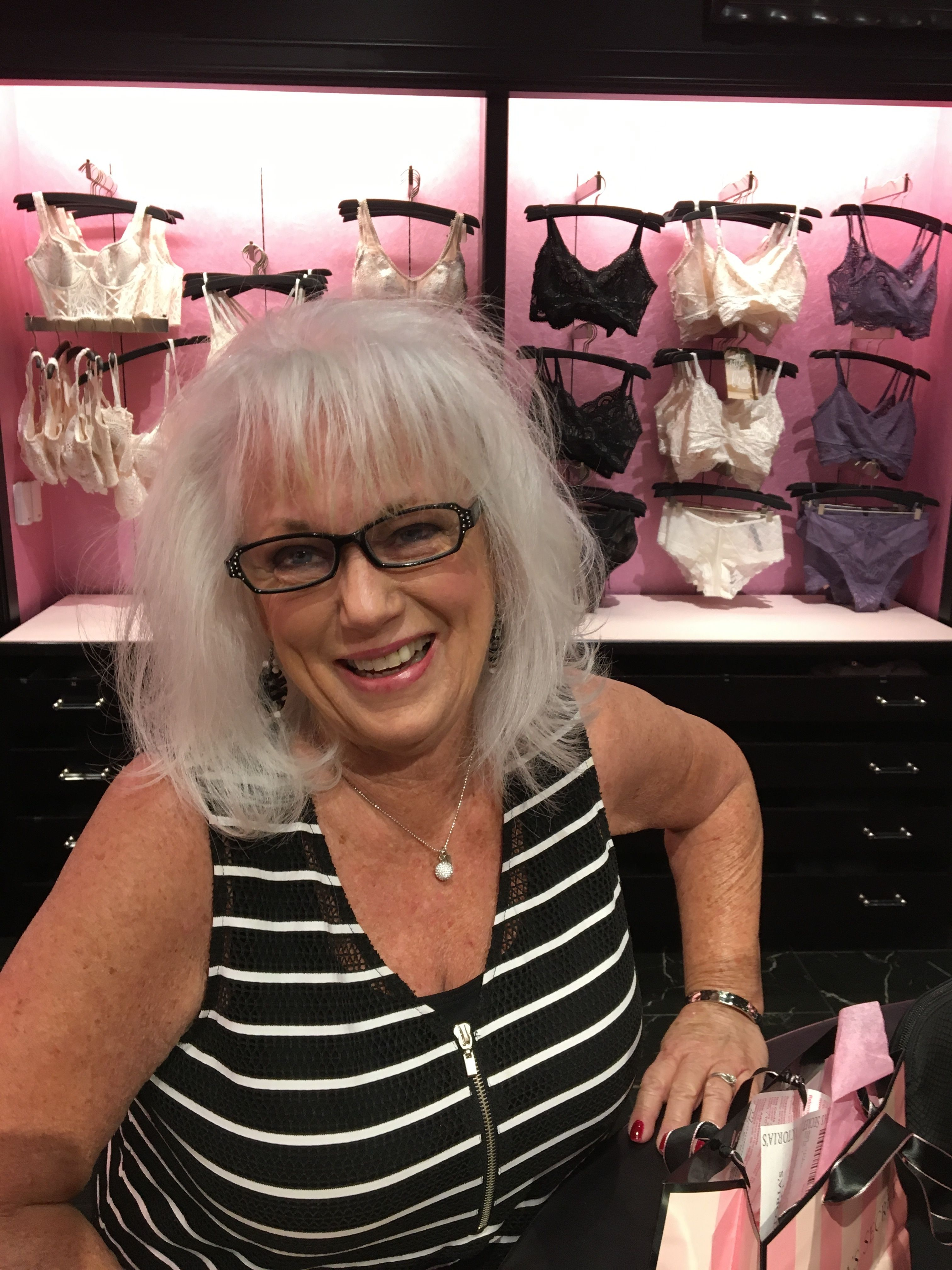 jewish single women in las vegas Nevada jewish singles, women 26-35 hello  35 year old single jewish female from las vegas, nv i'm a pretty outgoing person and easy to get along with.