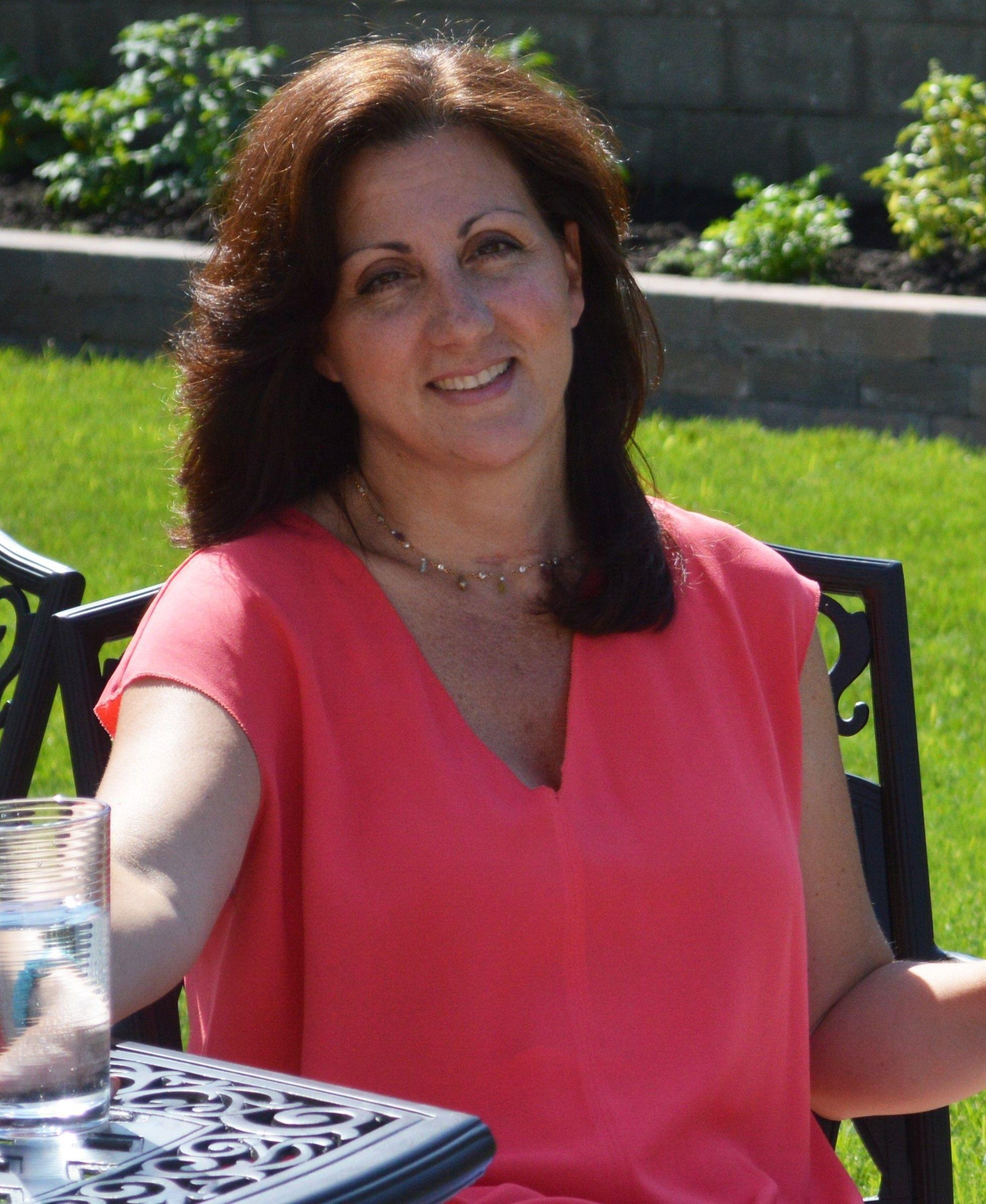 nesconset single men 5 unexpected places to meet great men over 40  but there are a lot of decent, kind, available men over 40 who are single and looking for someone to love.