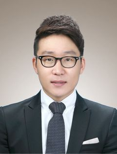 SungYong B.
