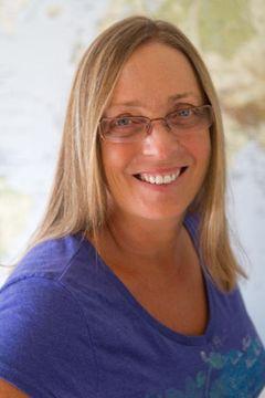 Carolyn Green (.