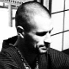 Arjen V.