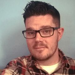 Darren W R