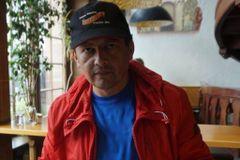 LeoPoldo González R.