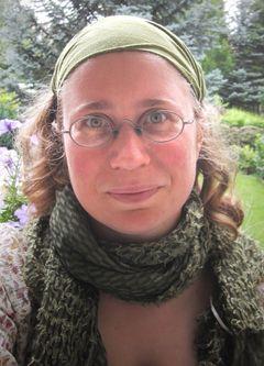 Nora Amala B.