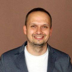Maciej F.