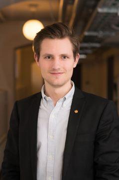 Niklas J.