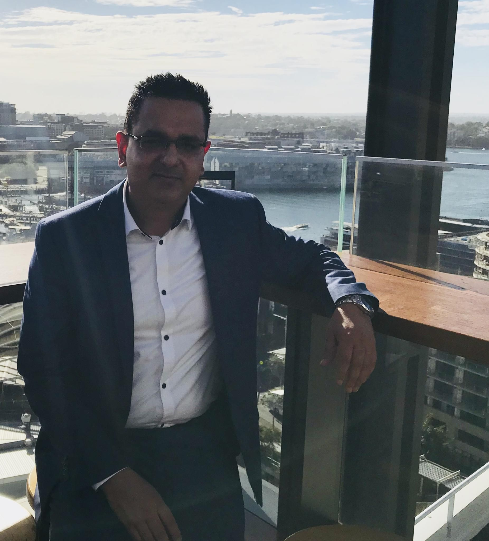 Rohit what 39 s on sydney party nights sydney meetup for Living room yoga coogee