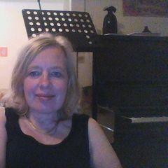 Eva-Catrin R.