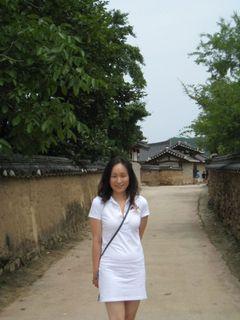 Yoonie C.