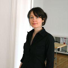 Annemieke G.