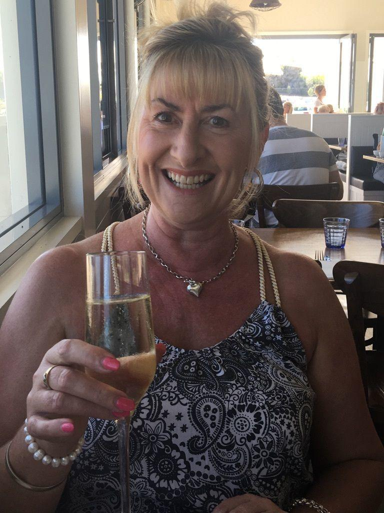 meet perth singles Peoples introduction bureau perth dating services offers a personalised best of all you only meet other singles who are genuinely free and looking to.