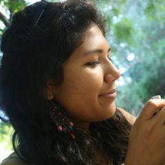 Anush Melody Camacho À.