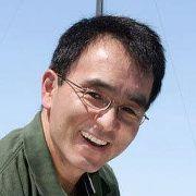 Yong L.