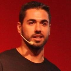 Raúl J.