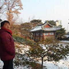 Yong S.