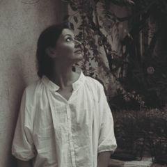 Emmanuelle H.